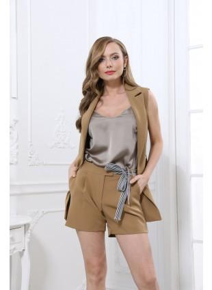 Shorts mit seitlichen Bundfalten